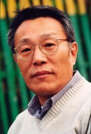 Sok-yong Hwang